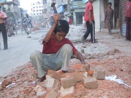 Riaz Hussain din Rawalpindi, Pakistan- Street children-3