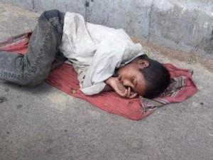 Riaz Hussain din Rawalpindi, Pakistan- Street children-4